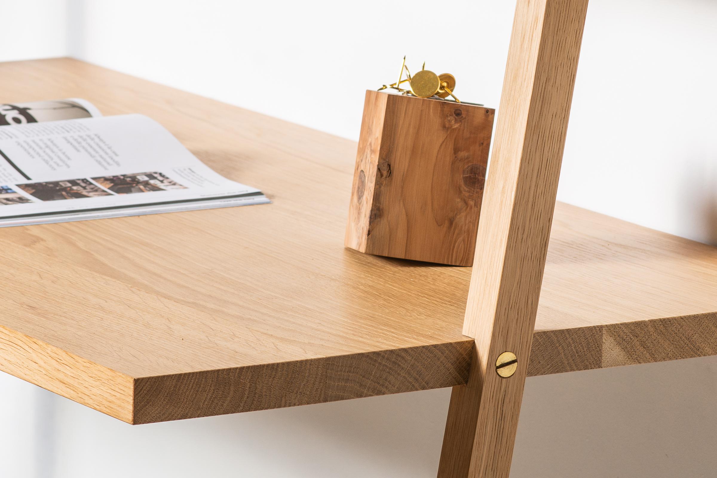 Vud scrivania legno su misura
