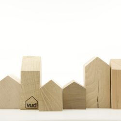 Vud houses small